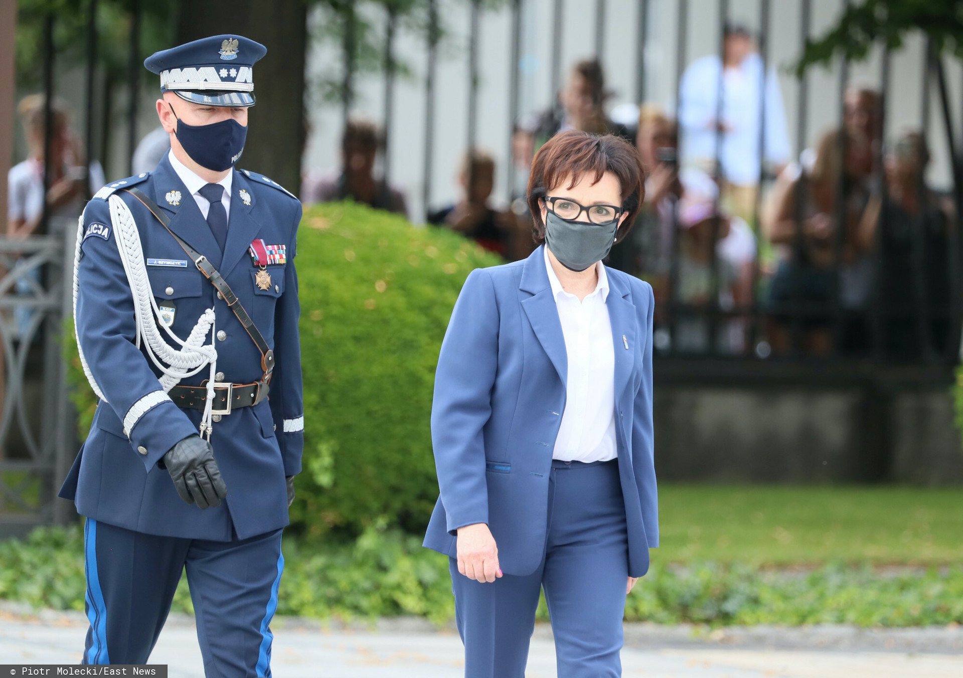 Podczas wizyty w Wielkopolsce za plecami Elżbiety Witek pojawiła się flaga Unii Europejskiej