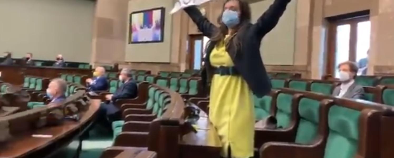 Klaudia Jachira vs Andrzej Duda