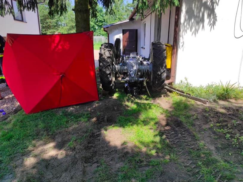 Śmiertelny wypadek w Wólce Rokickiej. Nie żyje strażak ochotnik