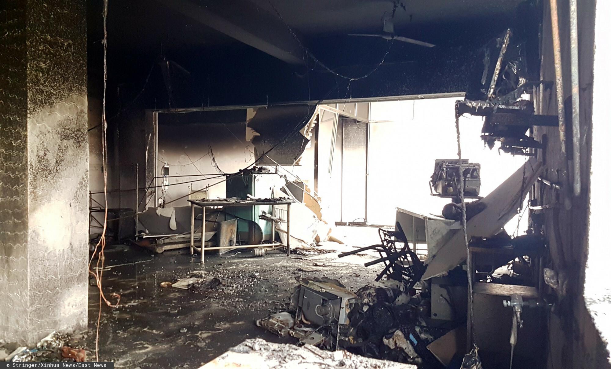 W mieście Bharuch na północy Indii doszło do tragicznego w skutkach pożaru w szpitalu covidowym.