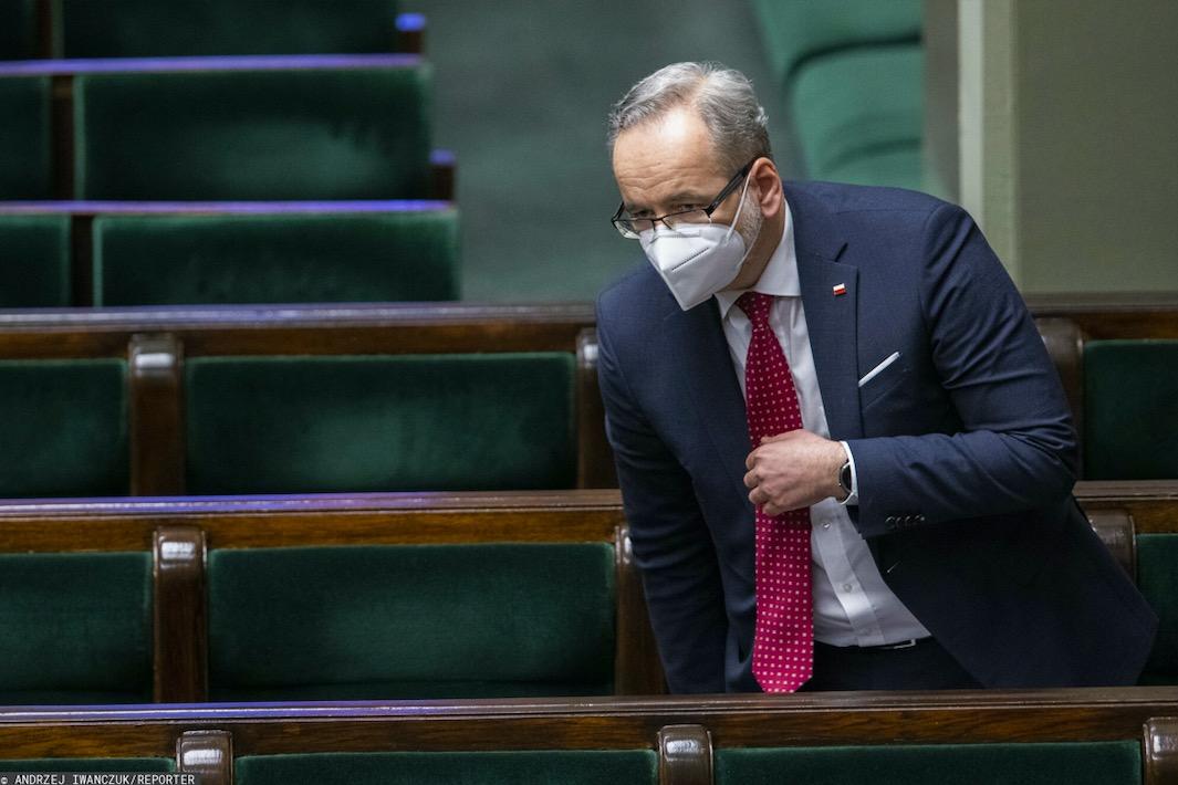 Jakie jest stanowisko ministra zdrowia Adama Niedzielskiego na temat ewentualnego powrotu obostrzeń?