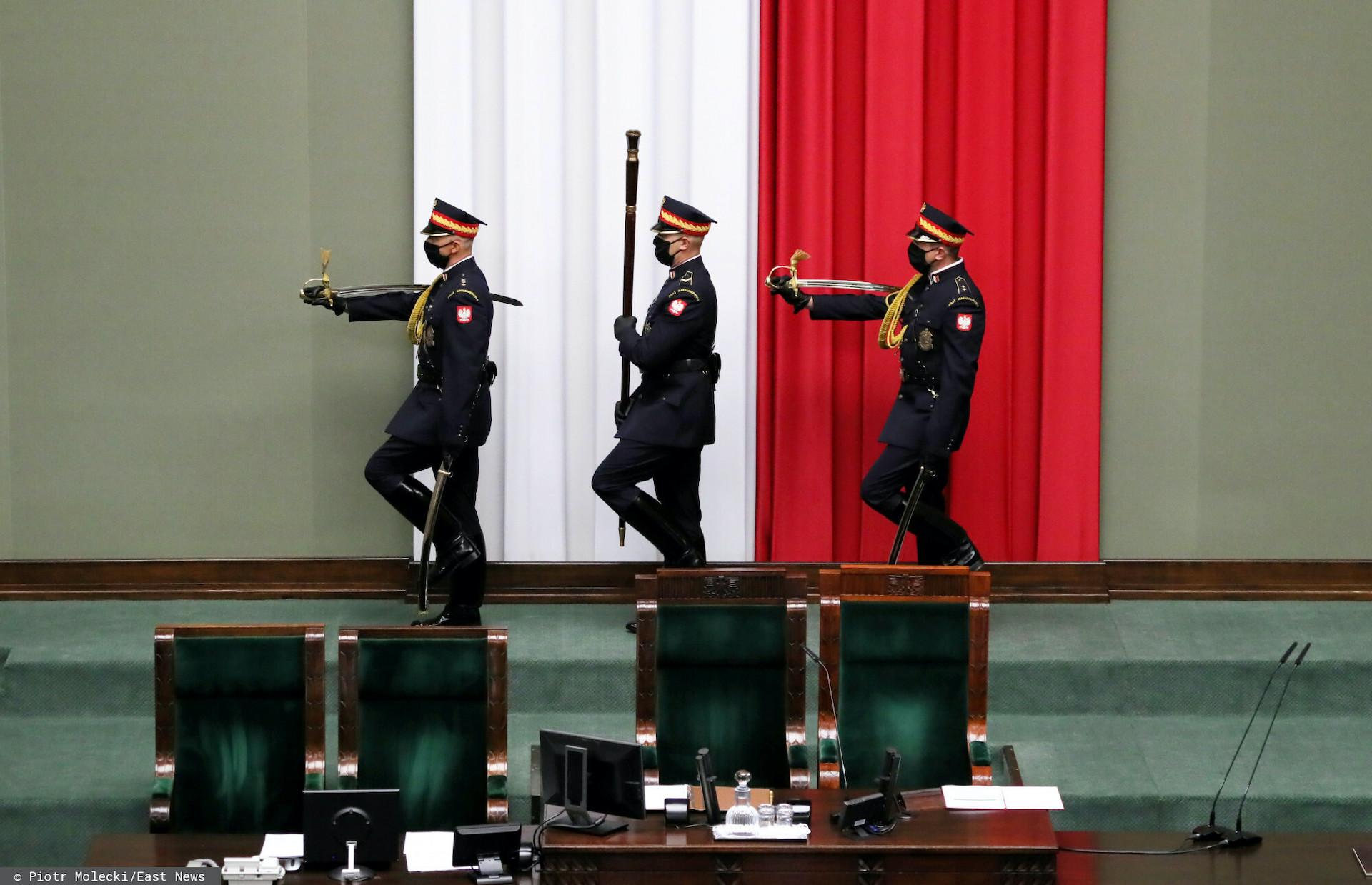 W 2020 roku z szeregów straży marszałkowskiej Sejmu odeszło ponad 50 funkcjonariuszy