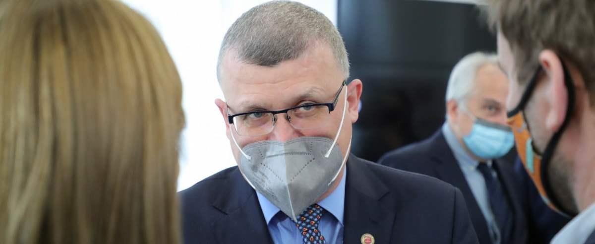 Dr Paweł Grzesiowski wyłapał błędy w rządowym spocie promującym szczepienia.