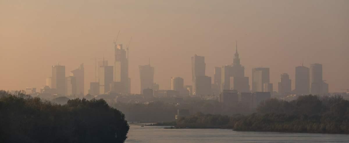 WHO zaapelowało o walkę ze smogiem. Naukowcy mówią o nawet 8-krotnym przekroczeniu norm zanieczyszczeń powietrza.