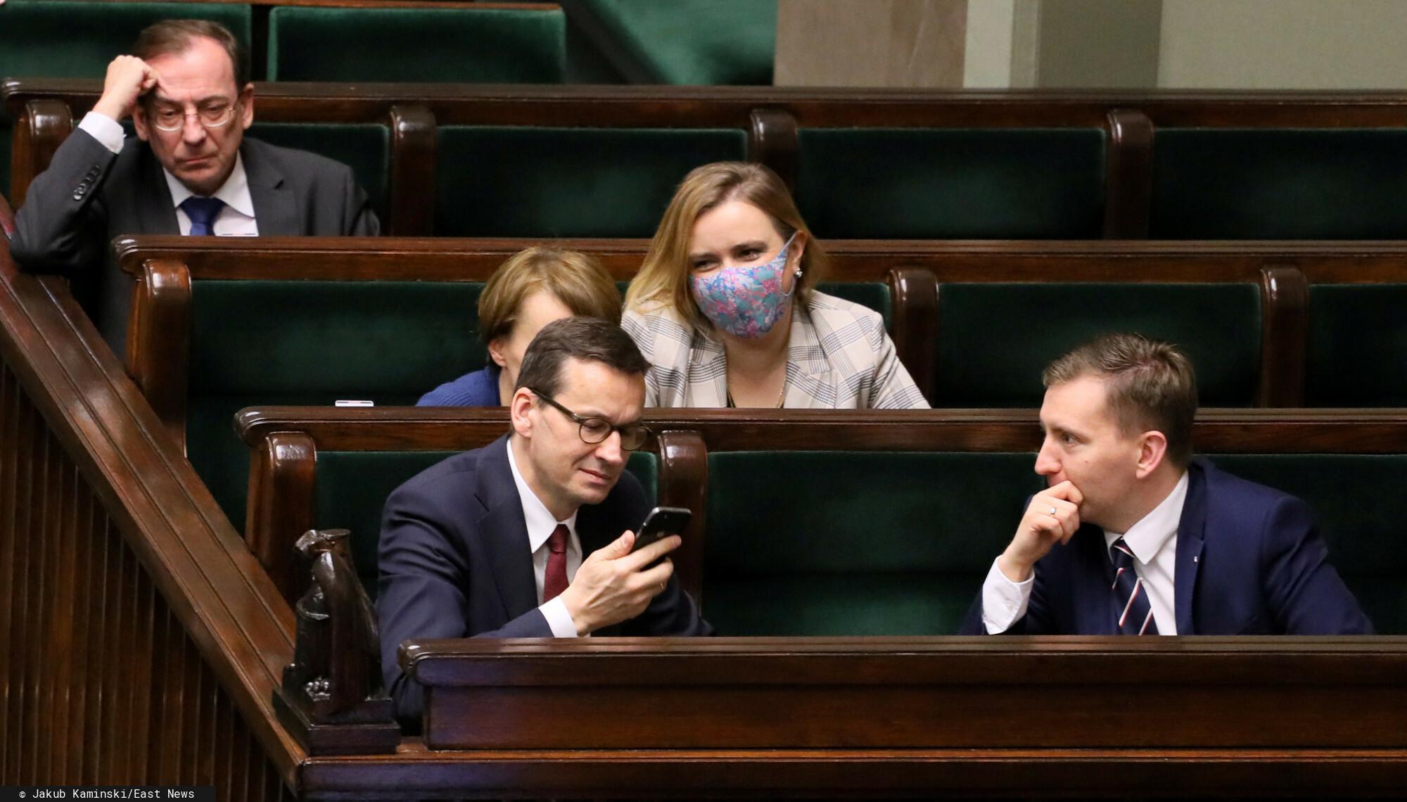 Rząd zatwierdził rewolucję dotyczącą emerytur Polek i Polaków. Zdecydowano o likwidacji OFE, w których obywatele zgromadzili 148 mld zł.