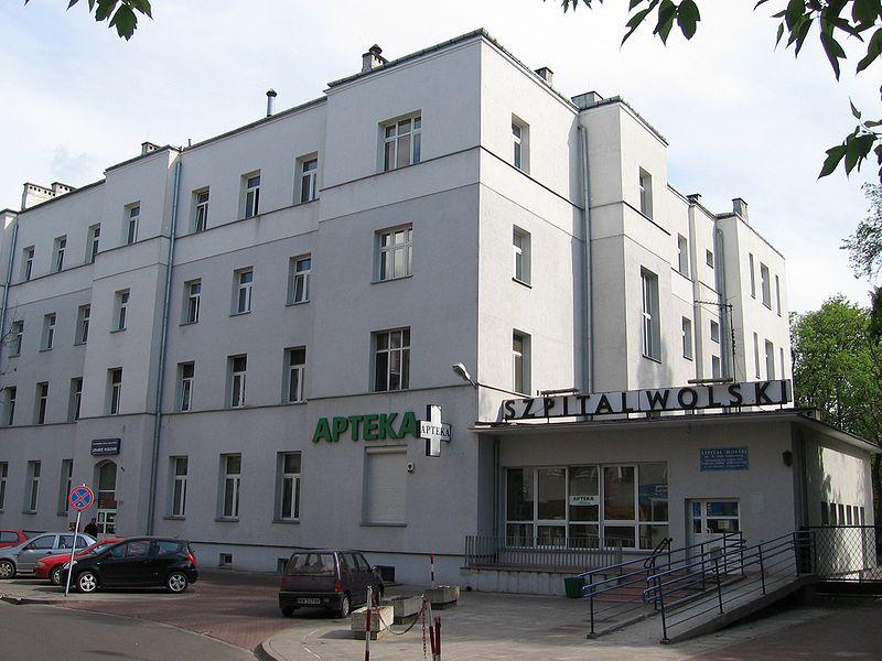 Koronawirus nie daje za wygraną. Nowe ognisko tego wirusa wykryto w jednym z warszawskim szpitali.