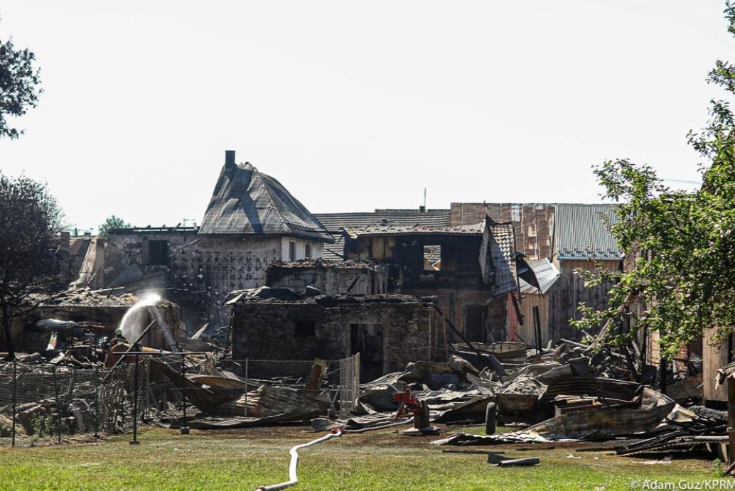 Trwa szacowanie strat po sobotnim pożarze we wsi Nowa Biała