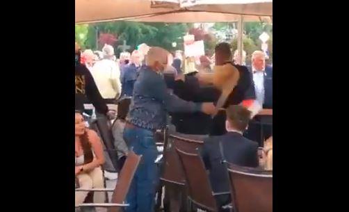 Wieluń: podczas spotkania z Andrzejem Dudą doszło do awantury i szarpaniny w kuluarach. Zwolennik zaatakował przeciwniczkę.