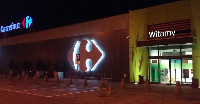 Carrefour planuje zwolnienia grupowe. Sieć może zwolnić kilkaset osób.