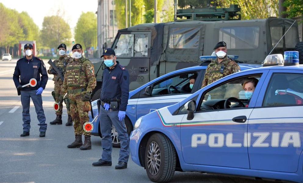 Media i służby podały informacje o strzelaninie pod Rzymem
