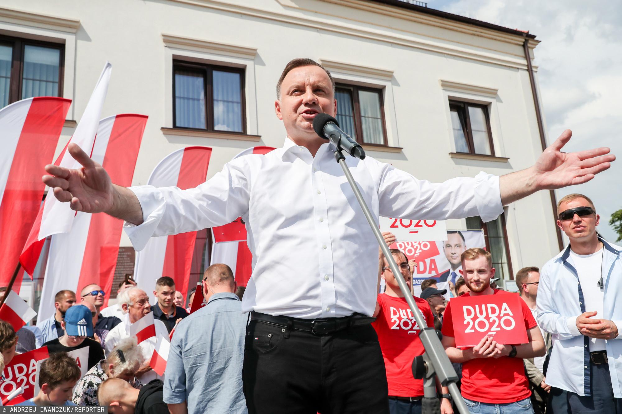 Wiec wyborczy Andrzeja Dudy, a na nim przemoc wobec nastolatki.