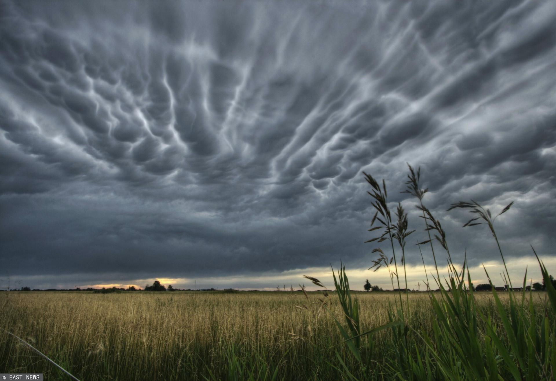 IMGW wydało ostrzeżenia II i I stopnia przed burzami i upałami