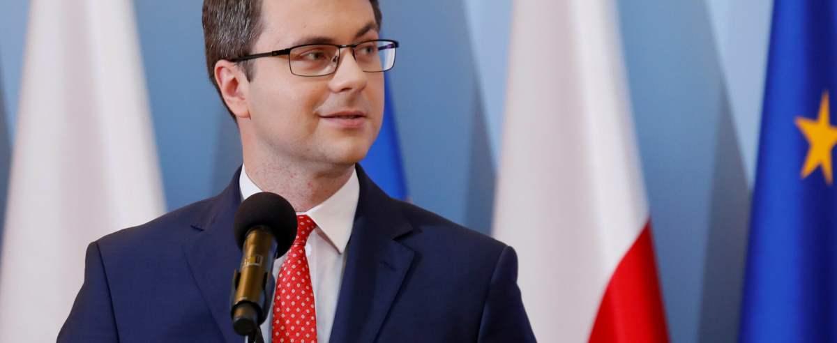 Rzecznik rządu Piotr Müller zapowiedział dalsze znoszenie obostrzeń