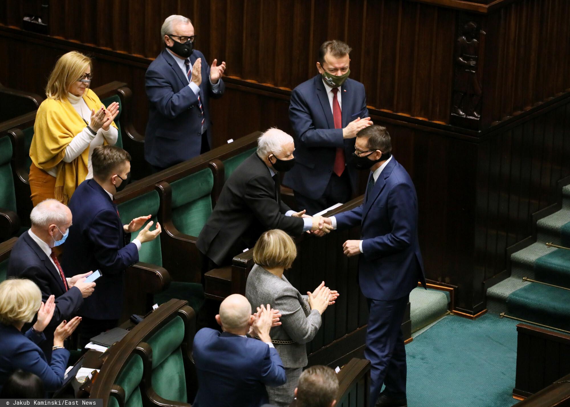 Większością głosów Sejm ratyfikował unijny Fundusz Odbudowy.