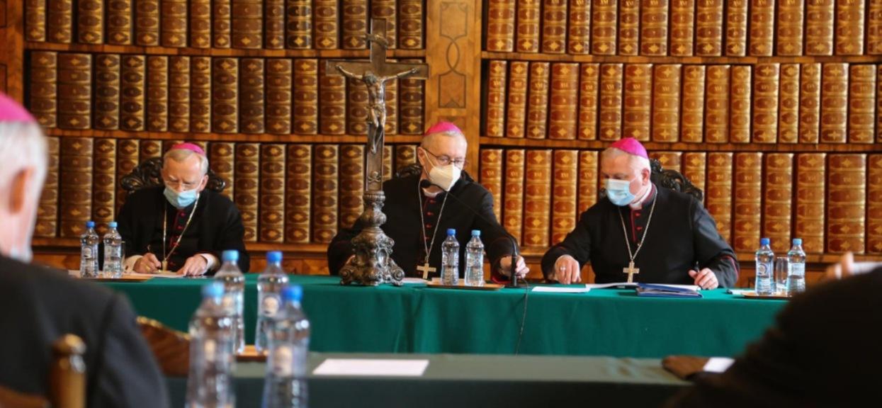 Obrady Konferencji Episkopatu Polski (KEP) dotyczyły m.in. wypowiedzi duchownych w mediach.