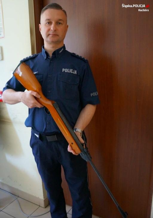 Policja w Raciborzu zabezpieczyła broń pneumatyczną