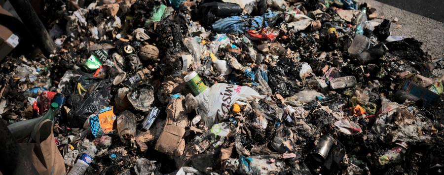 Müllcontainer am U-Bahnhof Kleistpark seit Wochen überfüllt – und keiner will zuständig sein