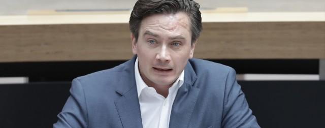 Luthe klagt gegen Maskenpflicht im Parlament
