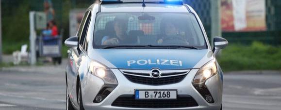 """Lassen Sie doch die Frau in Ruhe!"" – Minister pflaumt Polizisten an"
