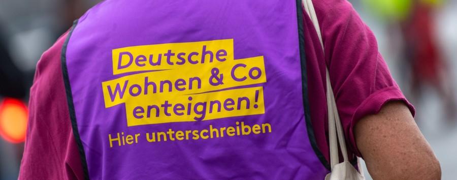 Enteignungsinitiative verklebt 40.000 Plakate in Berlin