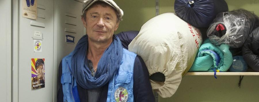Leserinnen und Leser spenden Schlafsäcke für Obdachlose