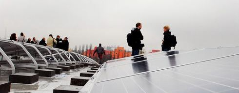 Warum Berlins Schuldächer jetzt bald doch Strom produzieren