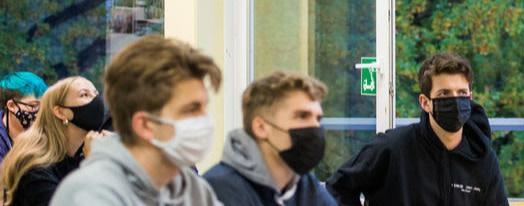 """""""Viele tragen die Maske falsch, die Lehrer weisen nicht darauf hin"""""""