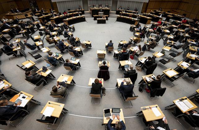 Abgeordnetenhaus soll stärker an Diskussion neuerCorona-Verordnungen beteiligt werden