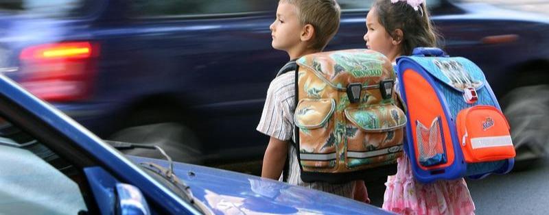 Steglitzer Grundschule fordert Ende der Autoraserei
