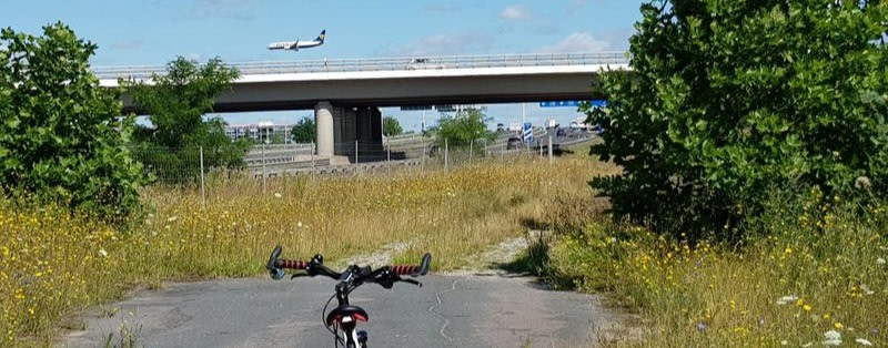 Die Flughafengesellschaft rät: Nicht mit dem Rad zum BER