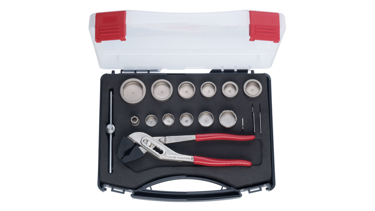 For professionals there is our comprehensive socket wrench set, which covers a wide range of products