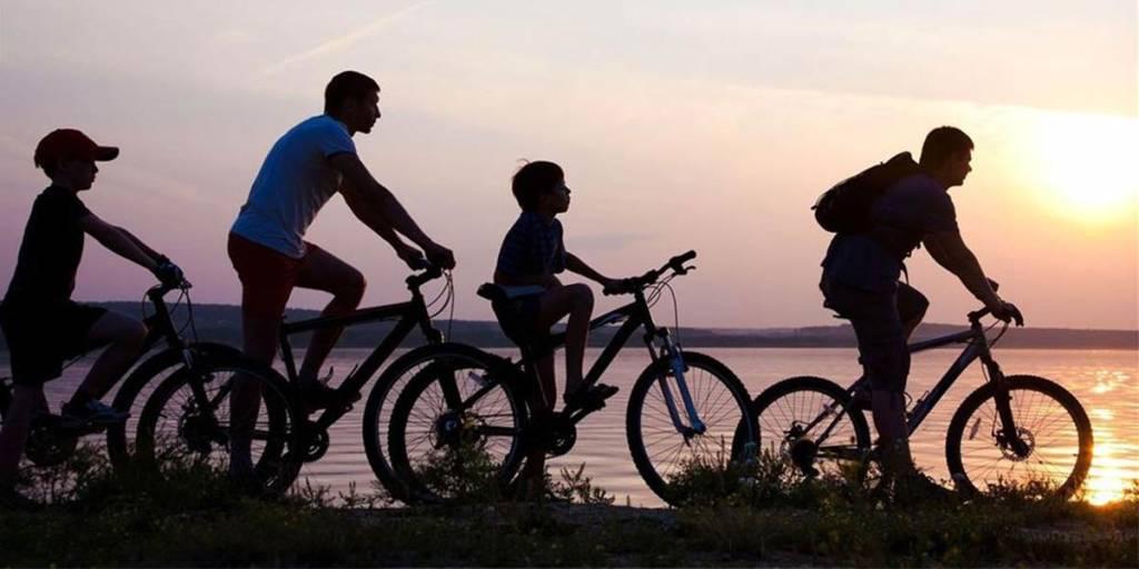 Family cycling Uppsala