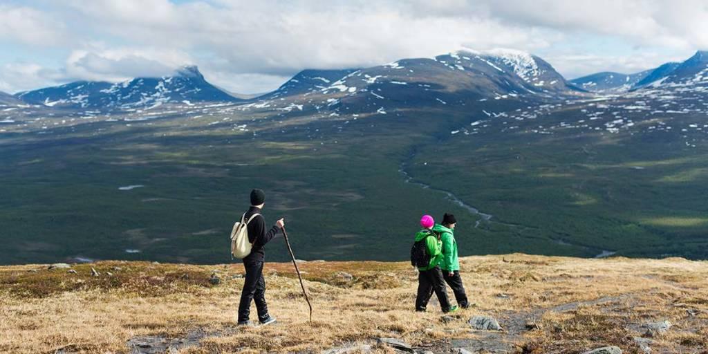 National parks Sweden - mountain hike - Photocredit Ulf Lundin Abisko