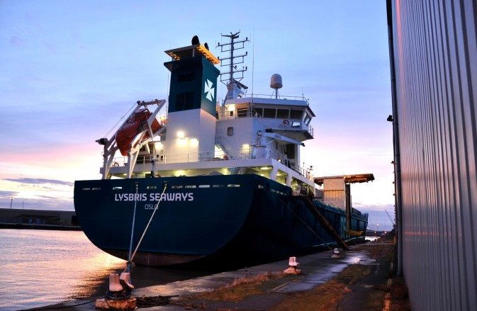 DFDS vessel Lysbris Seaways docked
