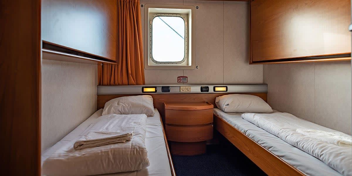 2-bed seaview cabin - Regina ferry