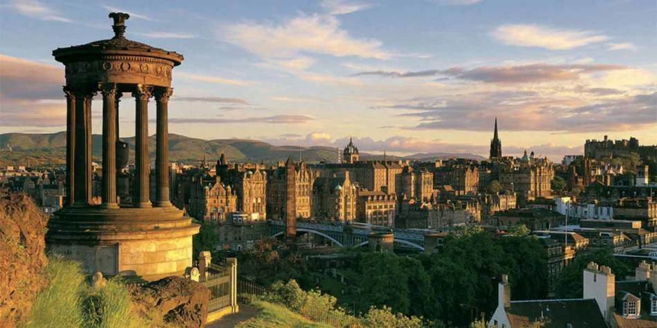Edinburgh viewpoint of the city