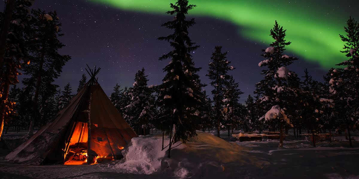 Sweden -  Northern lights - PhotoCredit Lola Akinmade Akerstrom