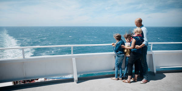 Spacious imagery family onboard