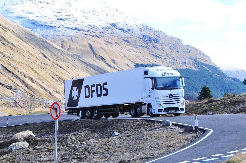 Logistics truck2908