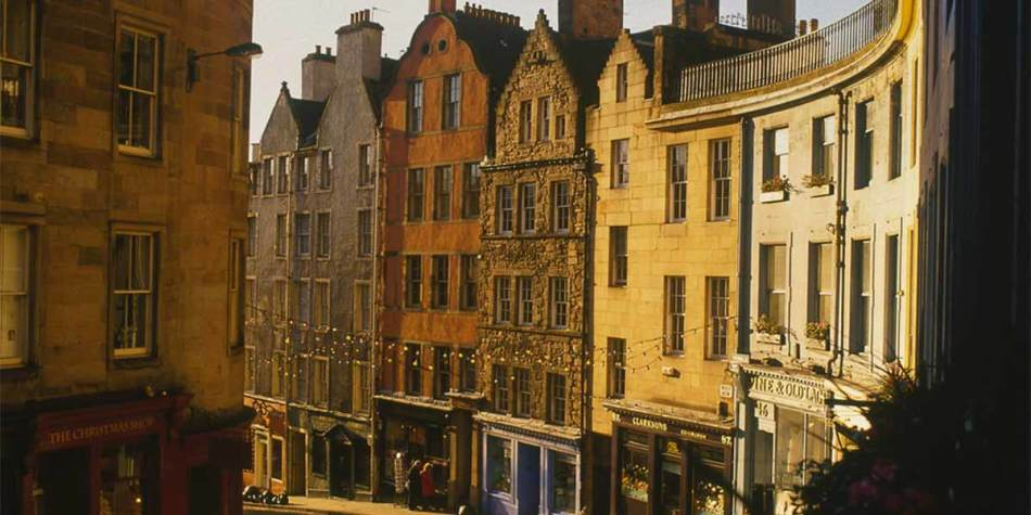 Streets and building in Edinburgh, Scotland