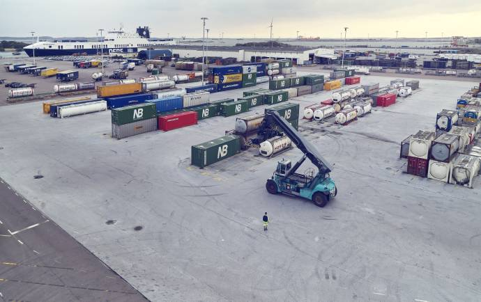 DFDS Containers - Containers at the Gothenburg terminal