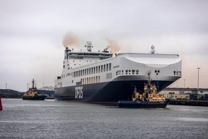 Terminals - tug boat - DFDS Holandia Seaways