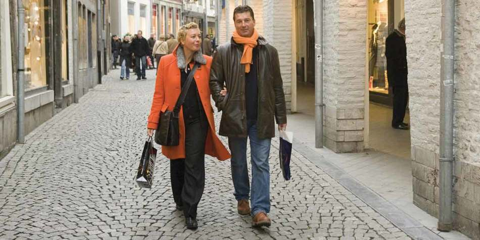 Couple shopping in Germany