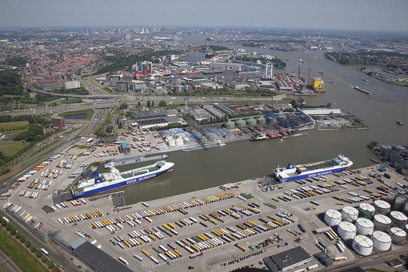 Vlaardingen Mention photographer Transport & Logistics Nederland 834x556
