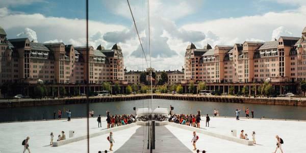 Oslo - på operaen - Photo by Oliver Cole on Unsplash