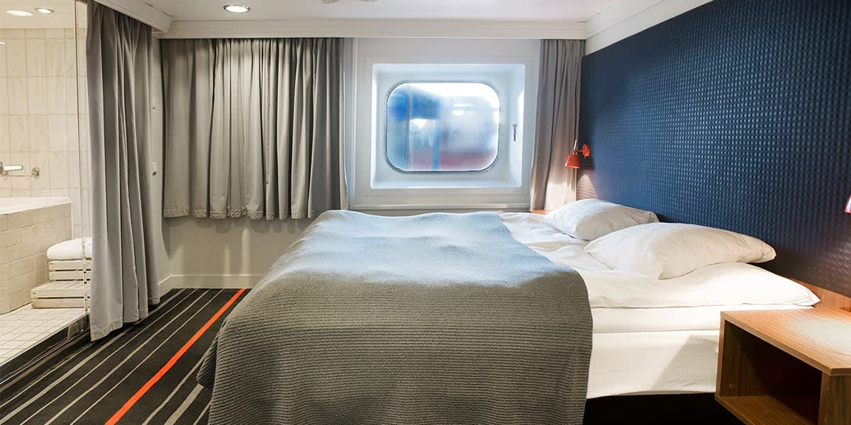 Commodore deluxe cabin onboard DFDS ferry