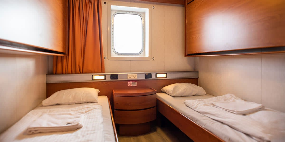 2-bed pet-friendly seaview cabin - Regina ferry