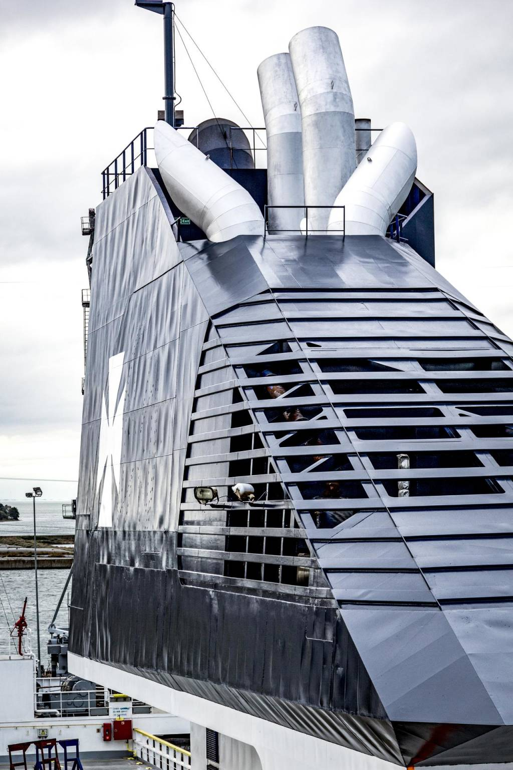 DFDS ship funnel