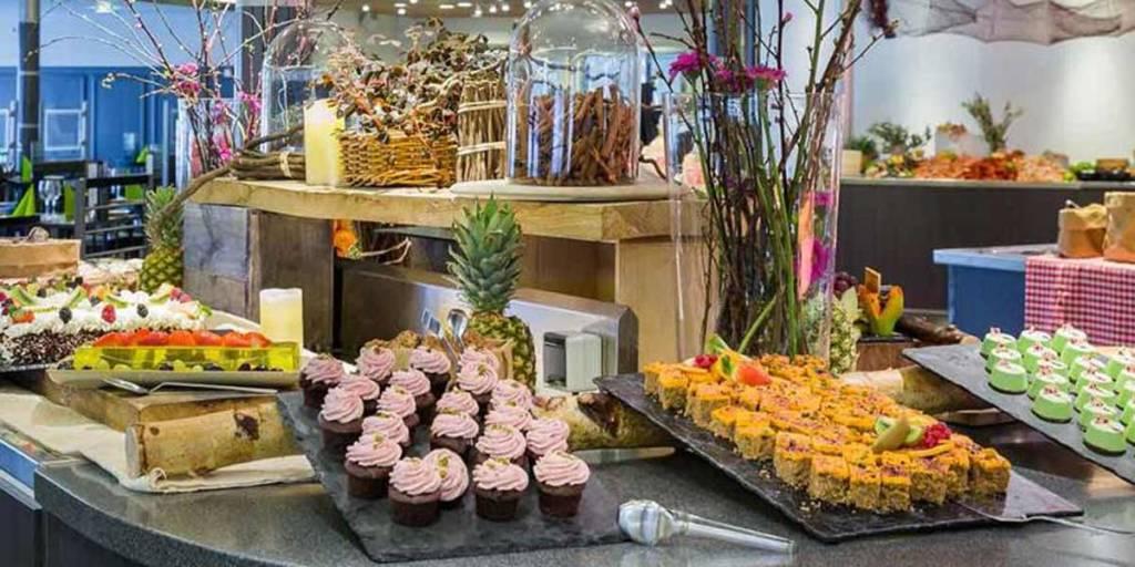desserter på middagsbufféen i 7 Seas