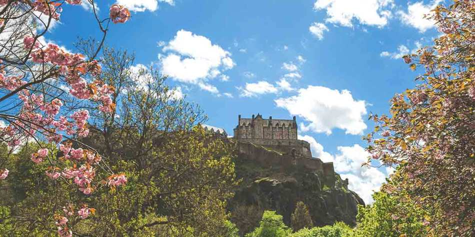 Edinburgh Castle on a beautiful spring day